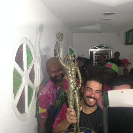 Domenico é um dos autores do samba da campeão Mangueira - Carolina Farias/UOL