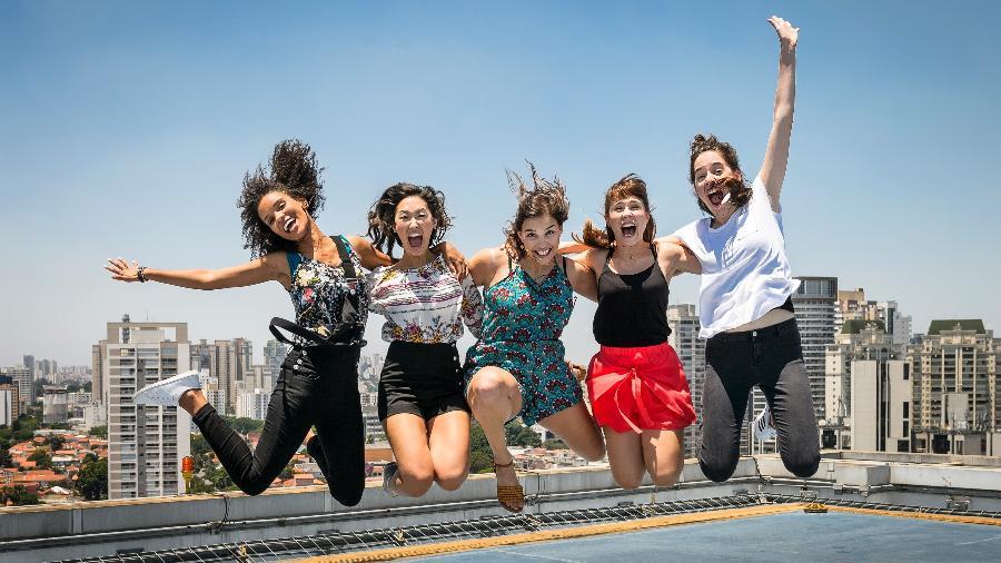 "Heslaine Vieira, Ana Hikari, Gabriela Medvedovski, Daphne Bozaski e Manoela Aliperti protagonizaram ""Viva a Diferença"" - Ramon Vasconcelos/Rede Globo"