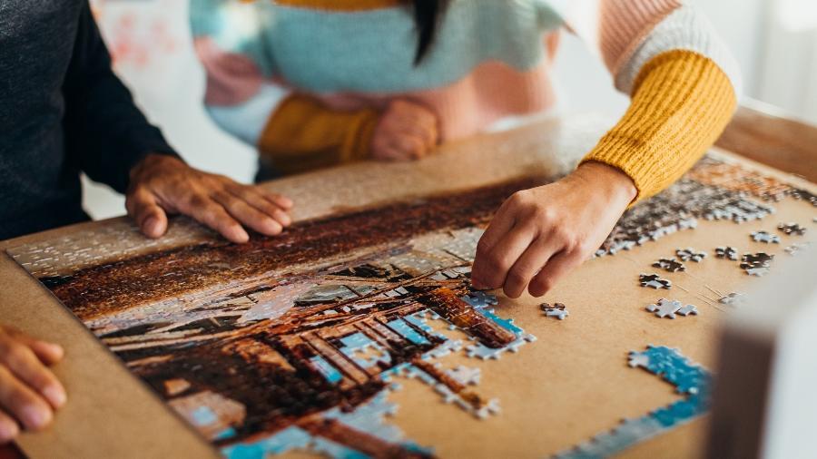 Já que não dá para se entreter jogando quebra-cabeças de verdade, aposte nos jogos online - LOUISE BEAUMONT/Getty Images