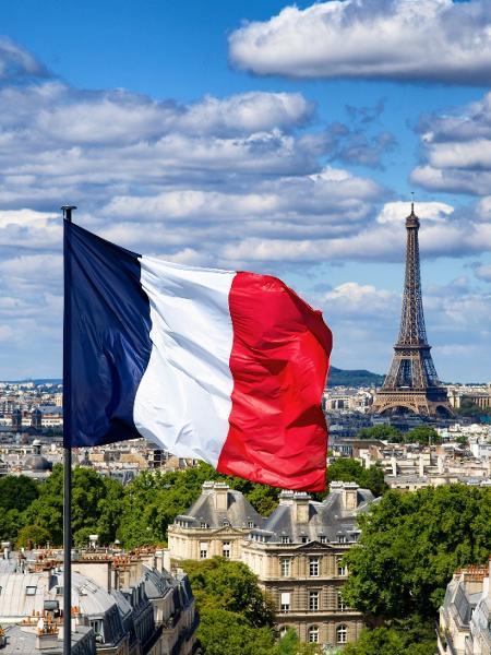 paris frança bandeira - Getty Images