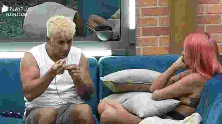 A Fazenda 2021: Tiago explica por que Valentina não pode chamá-lo de irmão - Reprodução/Playplus - Reprodução/Playplus