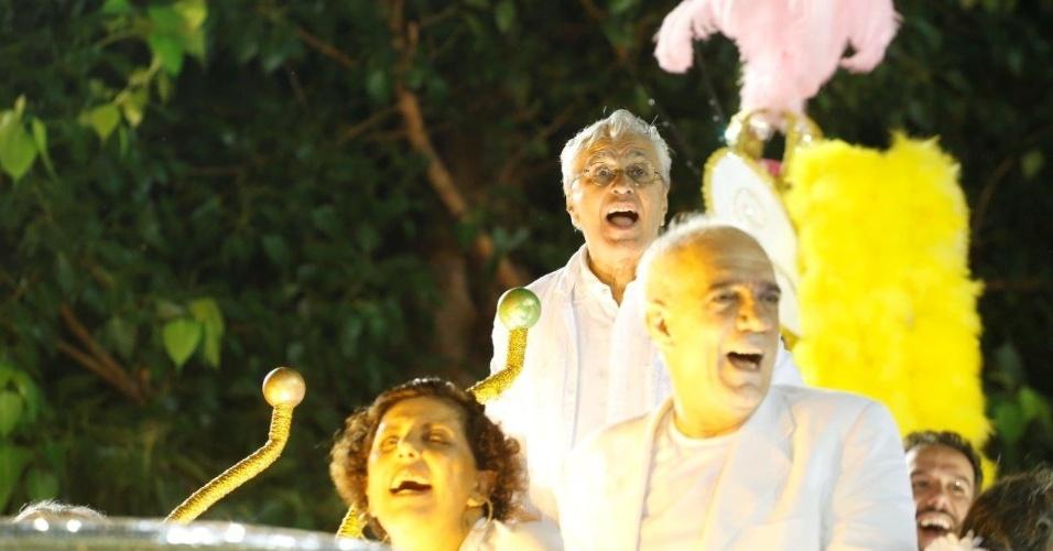 9.fev.2016 - Caetano Veloso na concentração da Mangueira, escola que fechou os desfiles do Rio homenageando Maria Bethânia