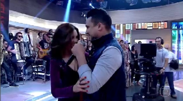 Fatima Bernardes dança com o cantor sertanejo Israel Novaes no