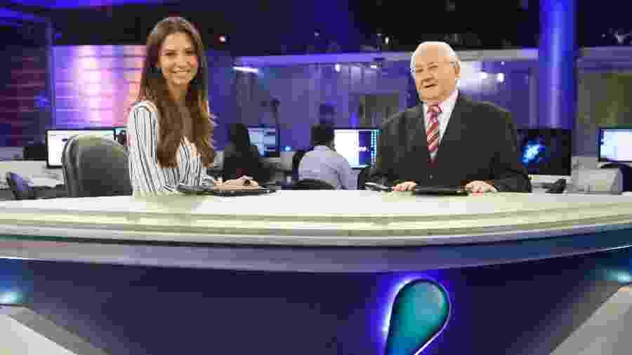 """Boris Casoy apresenta o """"Rede TV News"""", ao lado de Amanda Klein - Artur Igrecias/Divulgação/RedeTV!"""