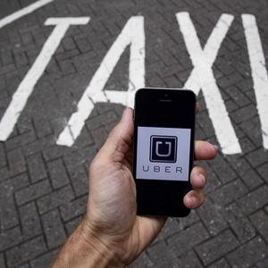 Uber enfrenta polêmica com taxistas em várias partes do mundo