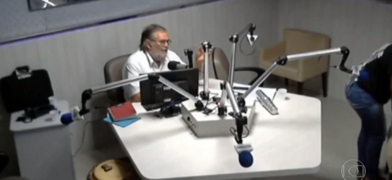 Ladrão invade rádio durante transmissão ao vivo, e apresentador pede ajuda - Reprodução/TV Globo/Rádio Cultura do Nordes