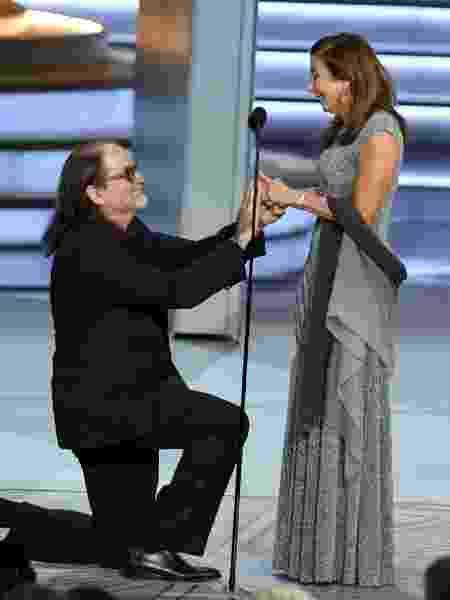 Glenn Weiss pede Jan Svendsen em casamento durante o Emmy - Kevin Winter/Getty Images/AFP