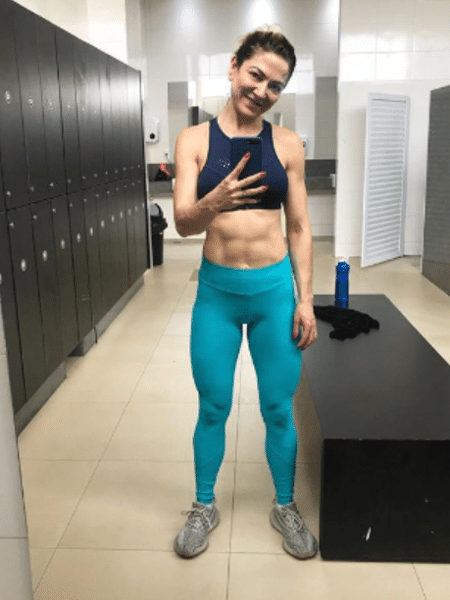 Karina Lucco mostra barriga sarada - Reprodução/Instagram