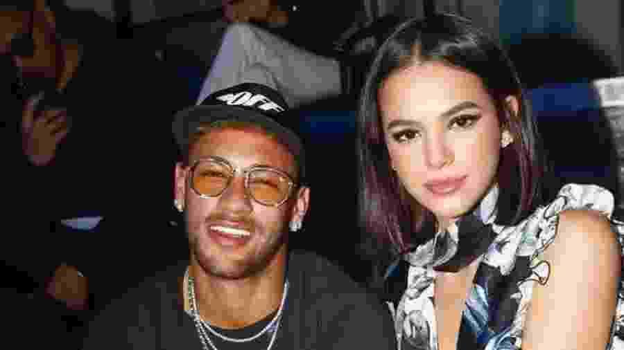 Neymar e Bruna Marquezine têm divergências com relação aos candidatos para Presidente do Brasil - Reprodução/Instagram/@brumarquezine