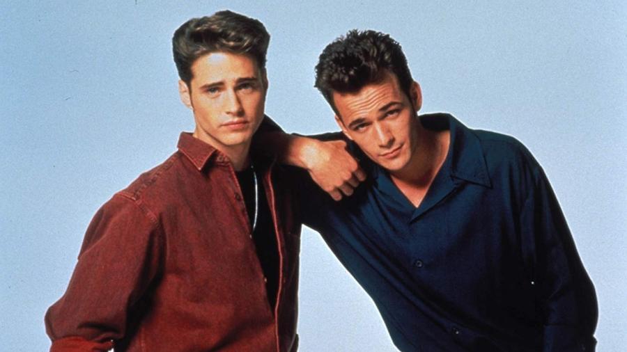 """Jason Priestley e Luke Perry em foto de """"Barrados no Baile"""" - Divulgação/IMDb"""