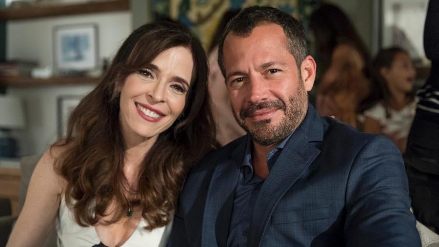 Lyris (Deborah Evelyn) e Agno (Malvino Salvador) são casados em A Dona do Pedaço - Paulo Belote/Globo