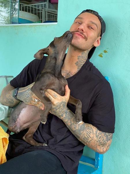 Lucas Lucco adora cachorrinha  - REPRODUÇÃO/INSTAGRAM