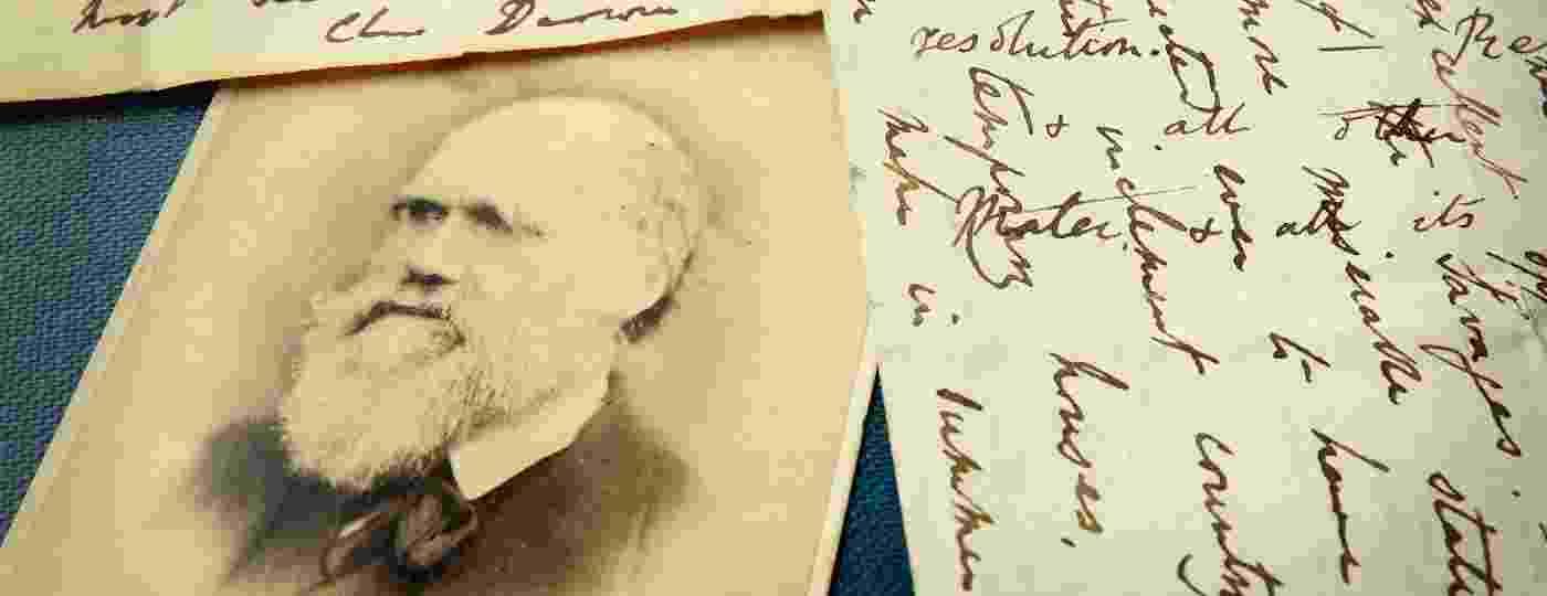 """Na sua volta ao mundo, o naturalista Charles Darwin fez anotações e estudos que sustentaram suas teorias em """"A Origem das Espécies"""" - Getty Images"""