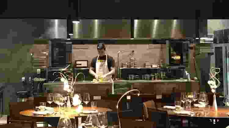 O chef Alberto Landgraf, no estrelado Oteque - Reprodução Instagram - Reprodução Instagram