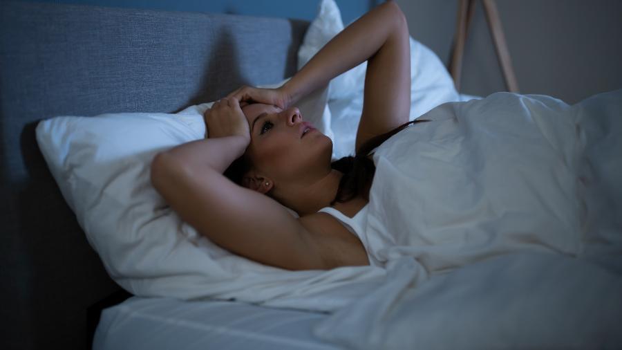 A insônia pode ser tratada de diferentes maneiras - Getty Images