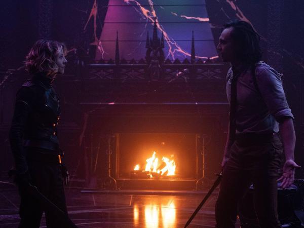 Sylvie (Sophia Di Martino) e Loki (Tom Hiddleston) no episódio final da série 'Loki'