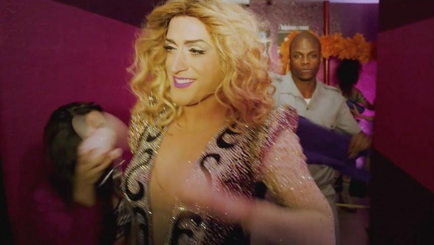 O humorista Paulo Gustavo faz paródia de clipe da Madonna