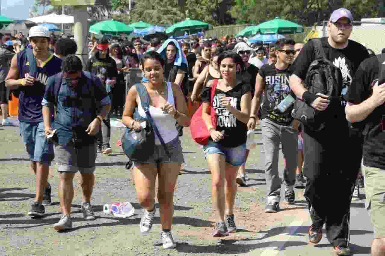 24.set.2015 - Público entra na Cidade do Rock no quarto dia de Rock in Rio - Zulmair Rocha/UOL
