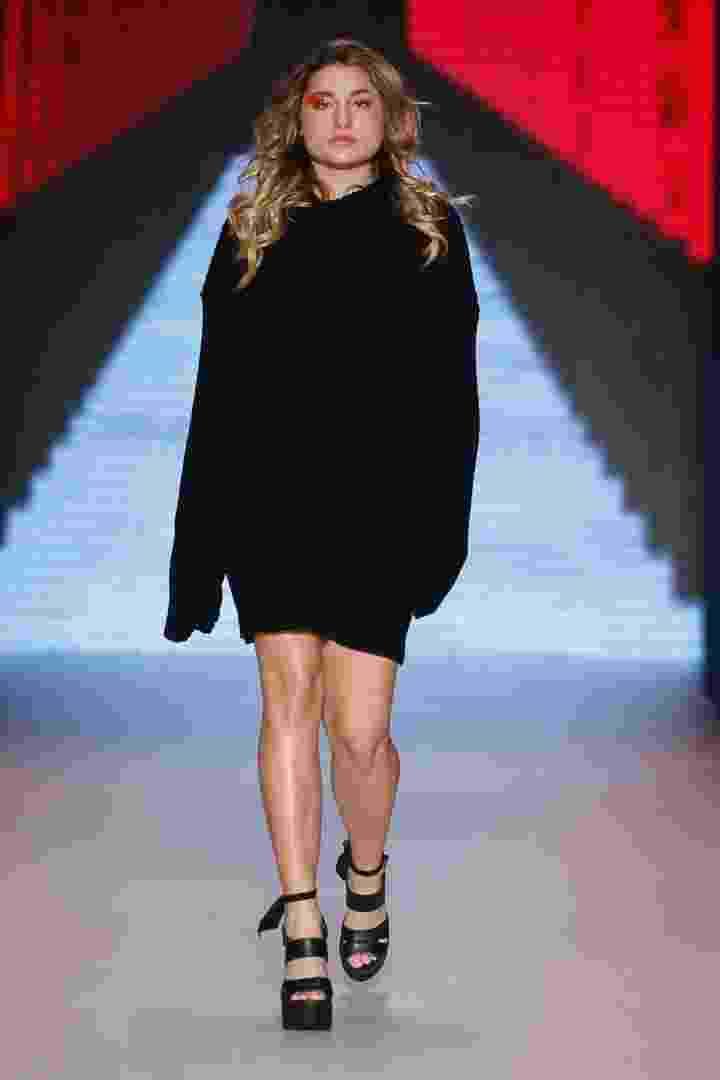 Sasha desfila para Coca-Cola Jeans na SPFW N42 - Alexandre Schneider/UOL