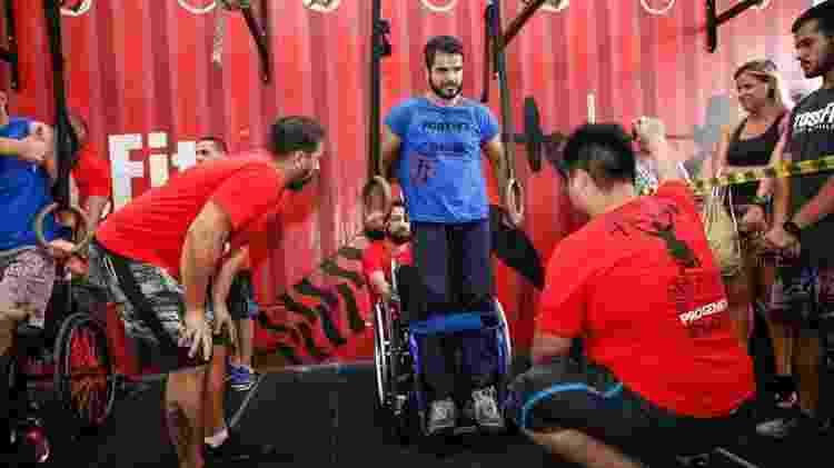 Entre os esportes que Thiago começou a praticar depois de ficar paraplégico está o crossfit - Reprodução/Instagram
