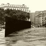 """Richard Serra, """"Tilted Arc"""", 1981 - Reprodução"""