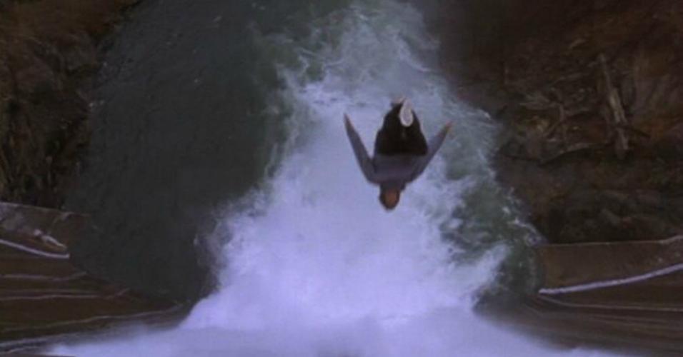 """Cena de """"O Fugitivo"""" (1993)"""