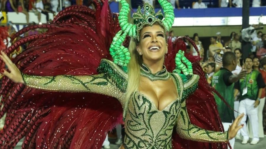 Lorena Improta em desfile da Viradouro na Sapucaí em 2018 - Roberto Filho/Brazil News