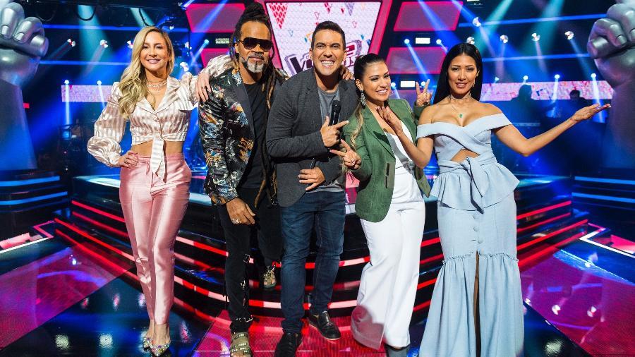 """Claudia Leitte, Carlinhos Brown, Andre Marques e a dupla Simone & Simaria do """"The Voice Kids"""" - João Miguel Júnior/UOL"""