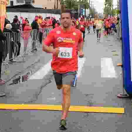 Normando dos Santos tinha 43 anos e morreu de ataque cardíaco. Médicos dizem que atletas amadores devem fazer exames periódicos para evitar problemas - Arquivo Pessoal