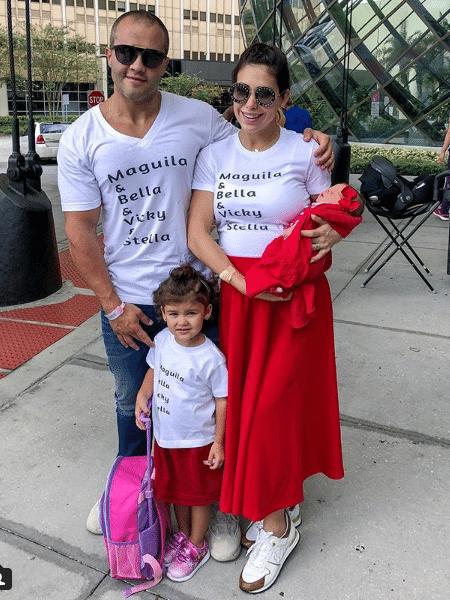 Bella Falconi deixa a maternidade com a família - Reprodução/Instagram
