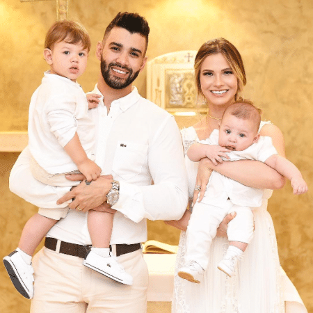 Gusttavo Lima e Andressa Suita com Samuel e Gabriel - Reprodução/Instagram