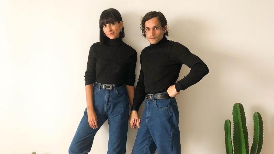 Nathalia, 25, e Lucas, 26, criaram o Instagram Twin Pic Pics em fevereiro, porque perceberam que tinham estilos parecidos - Arquivo Pessoal