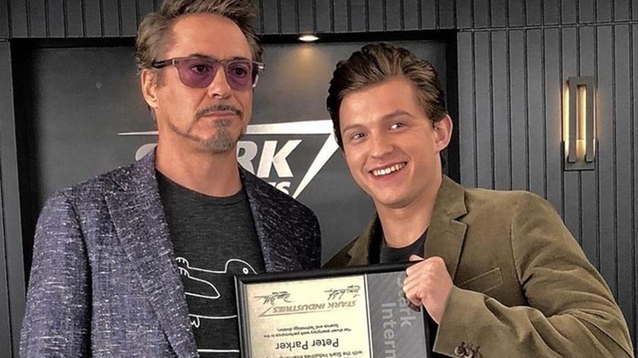 """Tony Stark (Robert Downey Jr.) e Peter Parker (Tom Holland) em imagem de """"Vingadores: Ultimato"""" - Divulgação"""