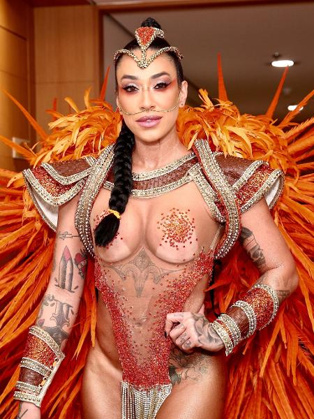 Dani Bolina pronta para desfilar como madrinha de bateria da Unidos de Vila Maria - Iwi Onodera/UOL