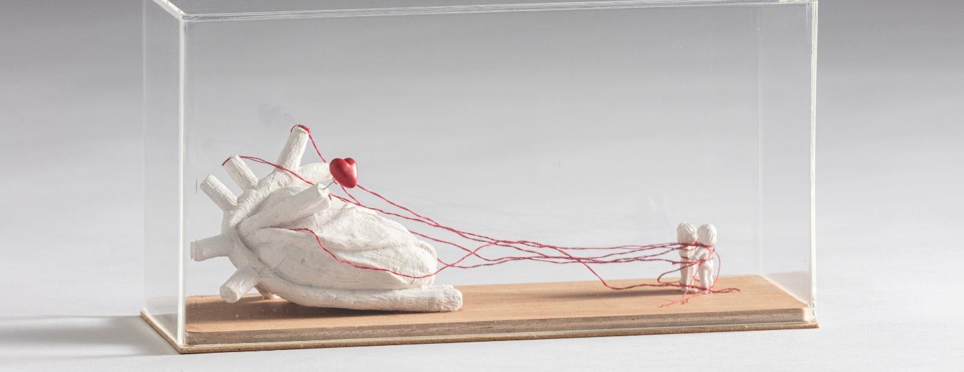 Papel ganha formas cheias de leveza e siginificado nas obras de Tânia Araújo - Gui Gomes/Divulgação (@guigomes.fotografia)
