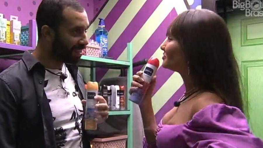 BBB 21: Thaís apresenta programa com Gilberto na dispensa - Reprodução/ Globoplay