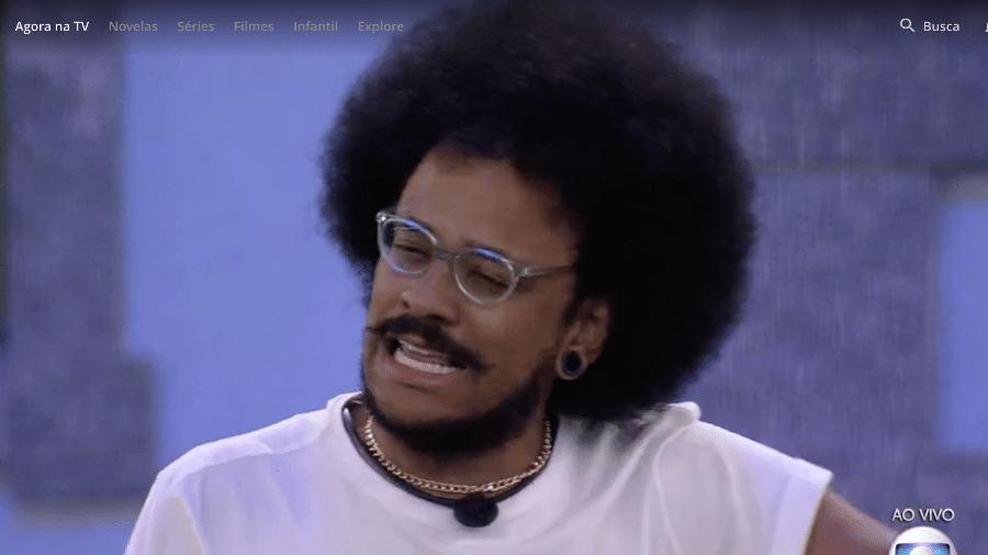 João chora ao falar do comentário de Rodolffo sobre o seu cabelo - Reprodução