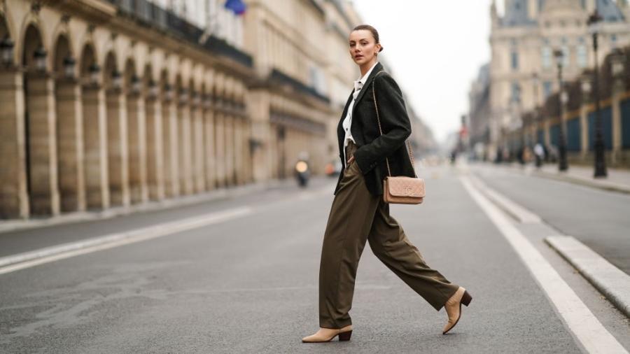 Olesya Senchenko na semana de moda de outono/inverno 2021/2022 - Edward Berthelot/Getty Images