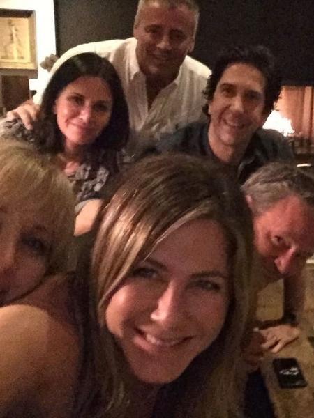 Friends Reunion: tomar um café com velhos amigos é bom, né? - Reprodução: Instagram