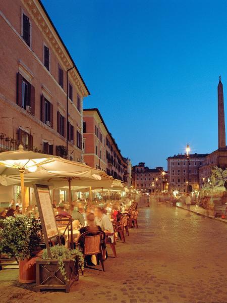Restaurantes na praça Navona, em Roma - Gary Yeowell/Getty Images
