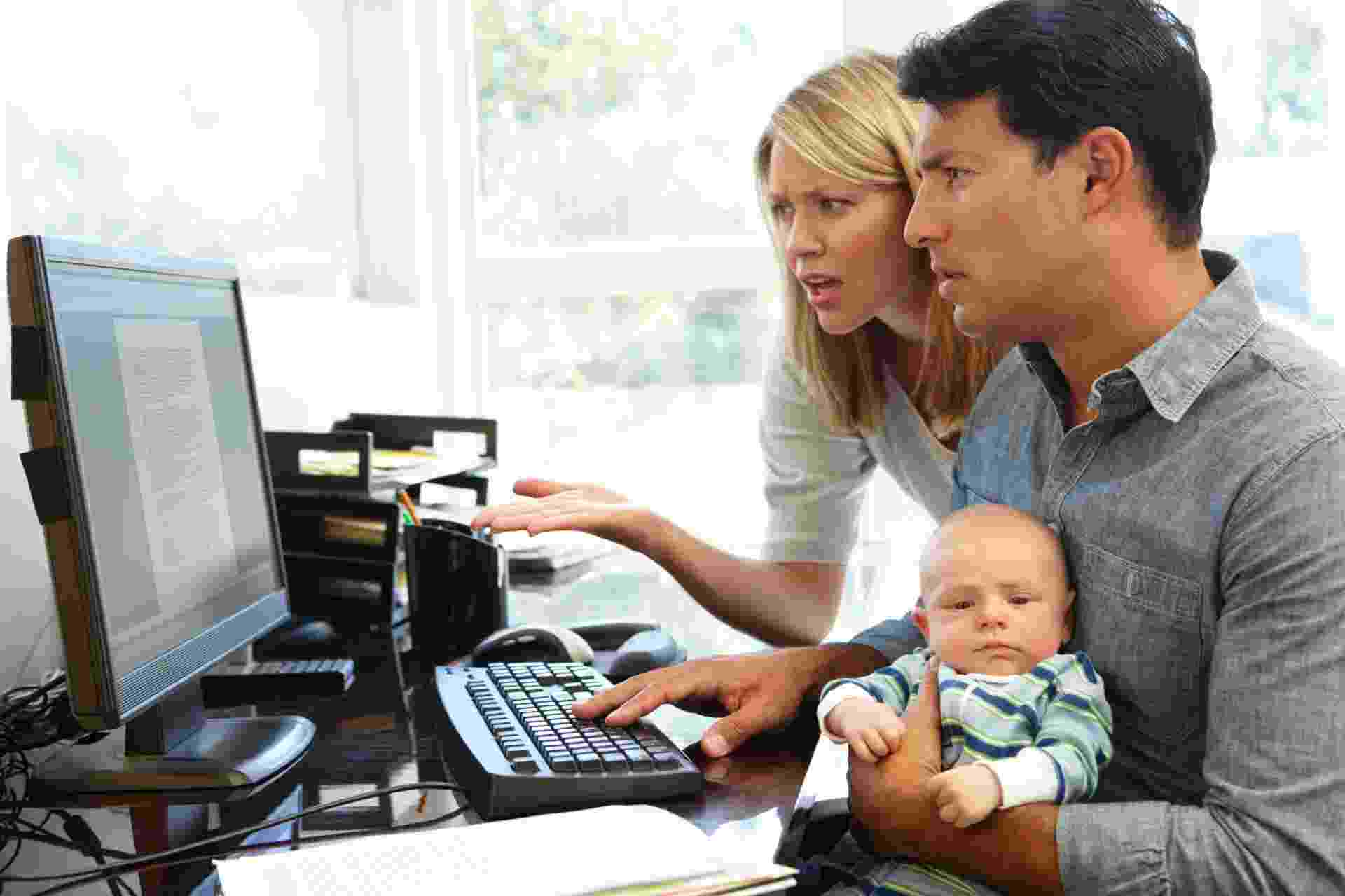 Grupos de discussão na internet podem ser muito úteis para as mães, principalmente para aquelas que gostam de compartilhar dicas e de pedir informações sobre questões simples do dia a dia - Getty Images