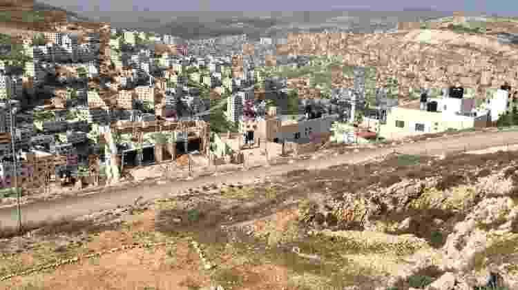 A cidade palestina de Nablus pode ser vista na subida e descida do monte Gerizim, território sagrado para os samaritanos - Marcel Vincenti/UOL - Marcel Vincenti/UOL