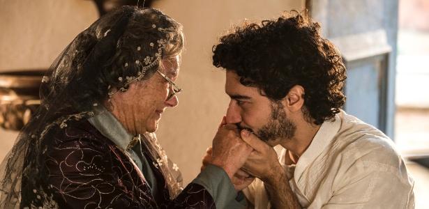 """Encarnação (Selma Egrei) e Martim (Lee Taylor) se encontram em """"Velho Chico"""" - Estevam Avellar/TV Globo"""