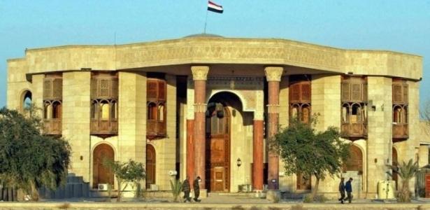 Antigo Palácio do Lago foi uma das cem residências opulentas de Saddam Hussein - Getty Images