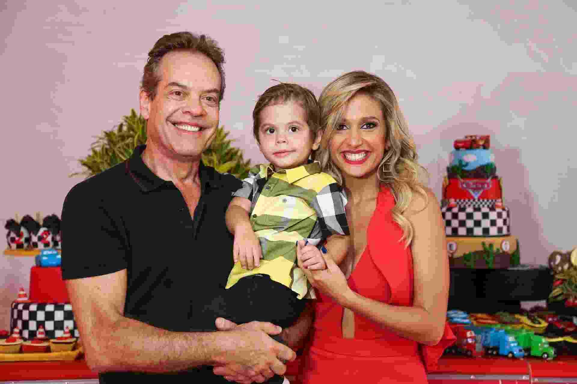 Festa com tema Carros de Enzo, filho de Luisa Mell - Pais e filho - Emerson Ruiz/WE Produções