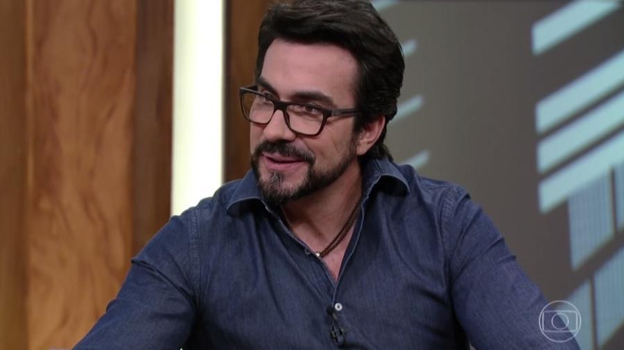 """Padre Fábio de Melo é entrevistado no """"Conversa com Bial"""" - Reprodução/TV Globo"""