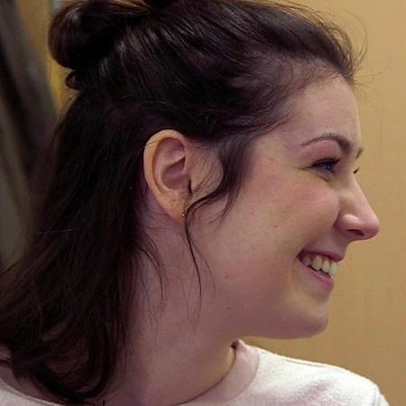 Lucy Lintott participa de uma pesquisa da Universidade de Edimburgo que tenta criar vozes sintéticas personalizadas para quem perderá a fala - BBC