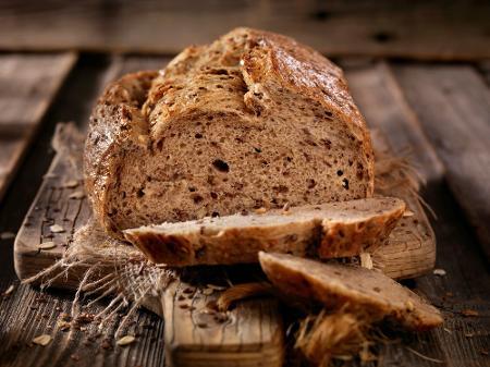 Com linhaça, castanha de caju ou de frigideira: 7 receitas de pão low carb  - 24/09/2017 - UOL VivaBem