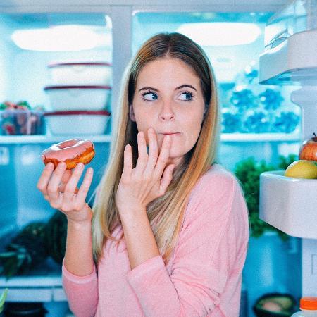 Ansiedade pode nos deixar com uma vontade incontrolável de comer - iStock