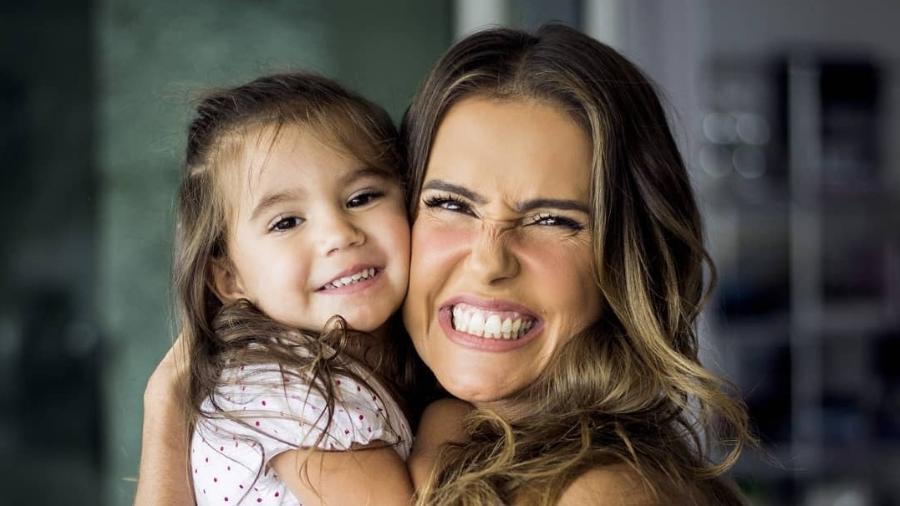Deborah Secco e a filha Maria Flor, de 2 anos  - Instagram/Reprodução
